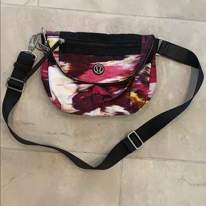 Like new Lululemon Festival bag